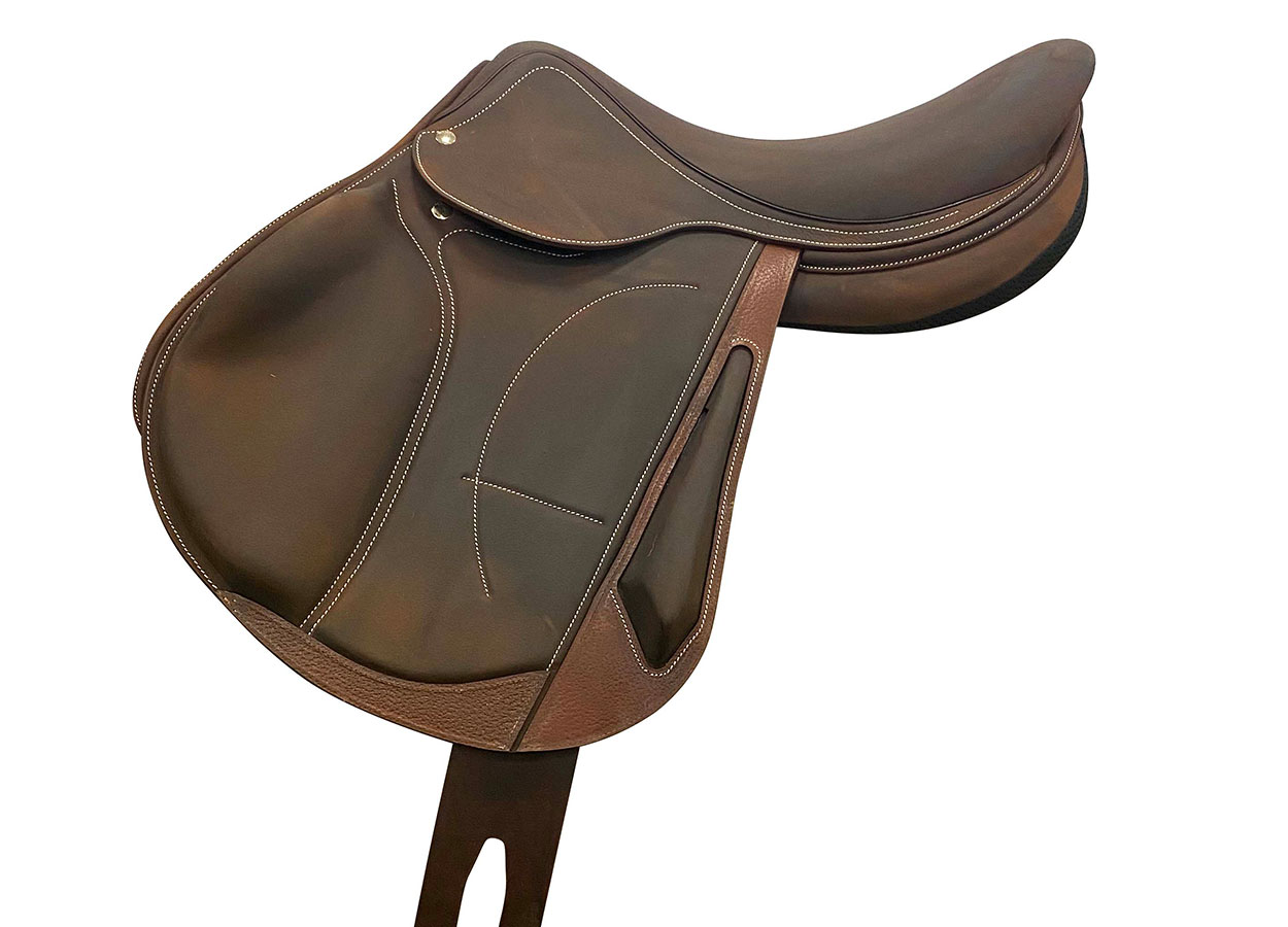 Cross country nubuck saddle